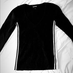 Express Sweaters - EXPRESS WOMEN'S BLACK V NECK SWEATER (SMALL)